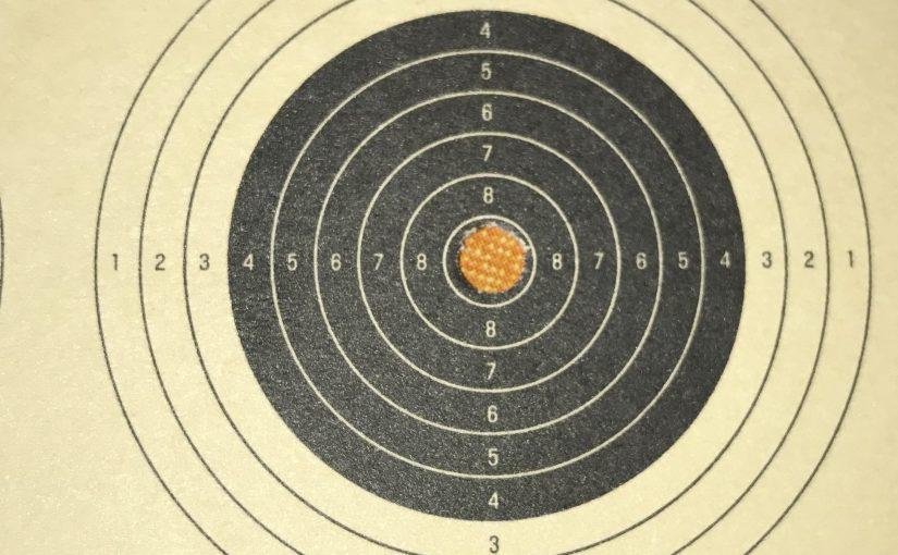 Luftgewehrscheibe mit Treffer 10